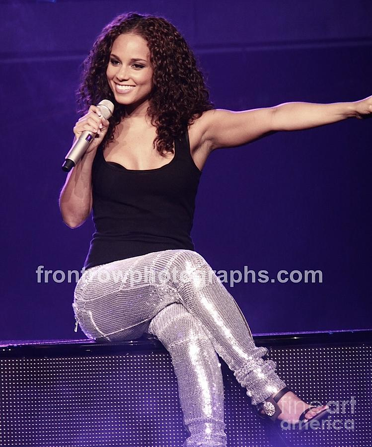 That would alicia keys in pantyhose can