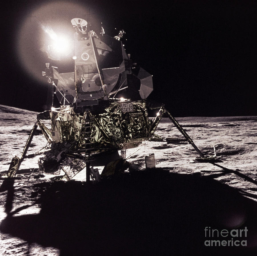Transport Photograph - Apollo 17 Moon Landing by Science Source