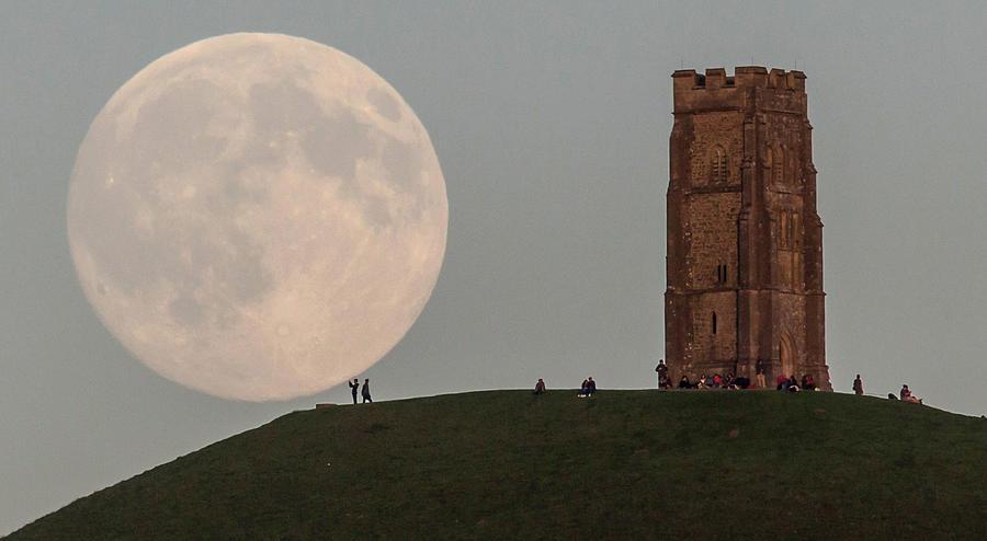 Blue Moon Rises Over Glastonbury Tor Photograph by Matt Cardy