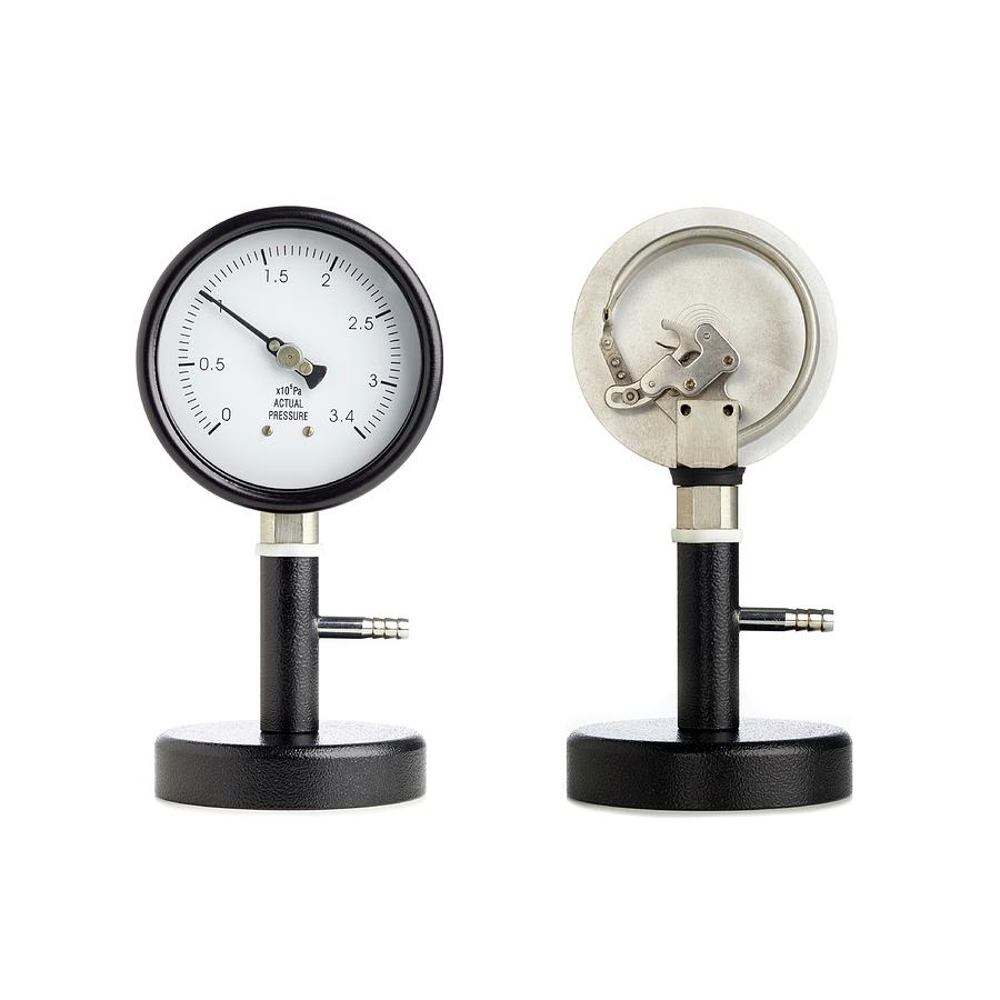 Pressure Photograph - Bourdon Pressure Gauge by Science Photo Library