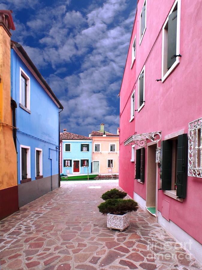 Burano Photograph - Burano 02 by Giorgio Darrigo