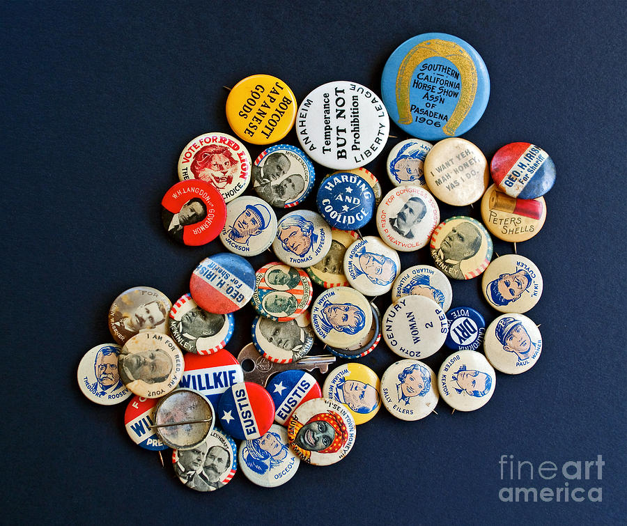Buttons Photograph - Buttons by Gwyn Newcombe