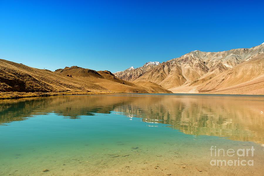 India Photograph - Chandratal Lake by Yew Kwang