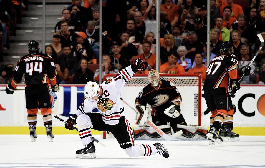 Chicago Blackhawks V Anaheim Ducks - Photograph by Harry How