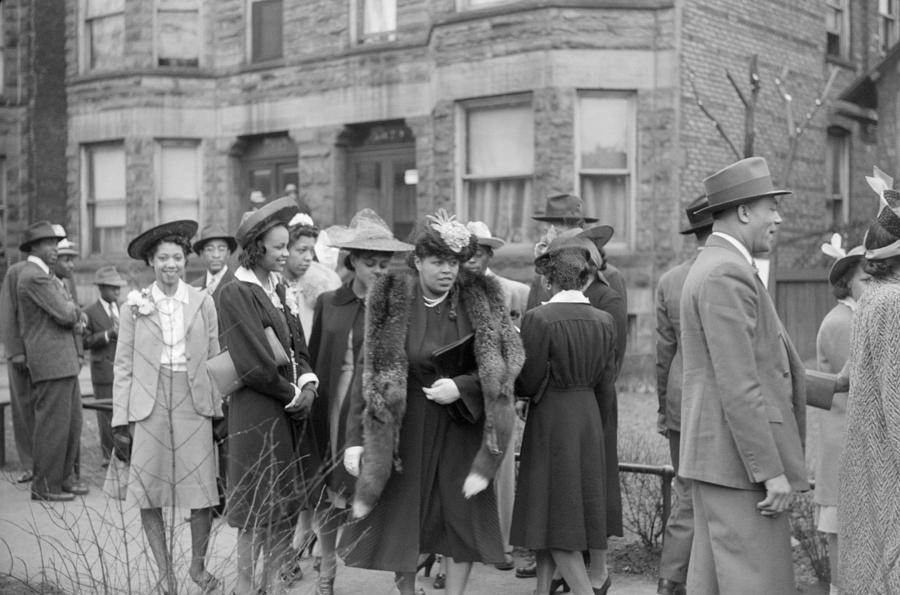 1941 Photograph - Chicago Easter, 1941 by Granger