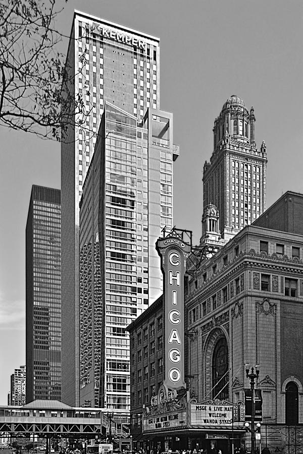 Chicago Photograph - Chicago Theatre - This Theater Exudes Class by Christine Till