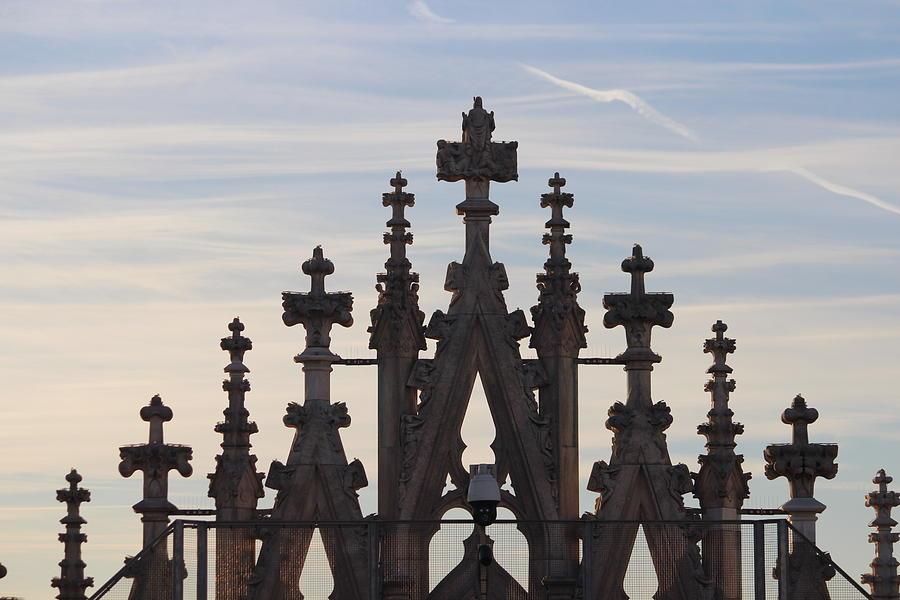 Duomo Photograph - Cross by Magda Levin-Gutierrez