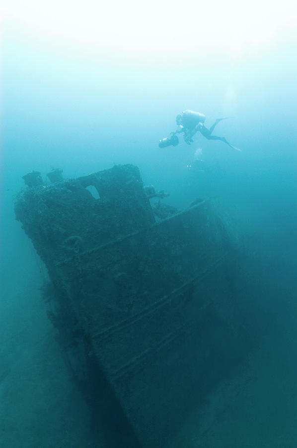Northern Light Photograph - Diver At northern Light Shipwreck by Noaa