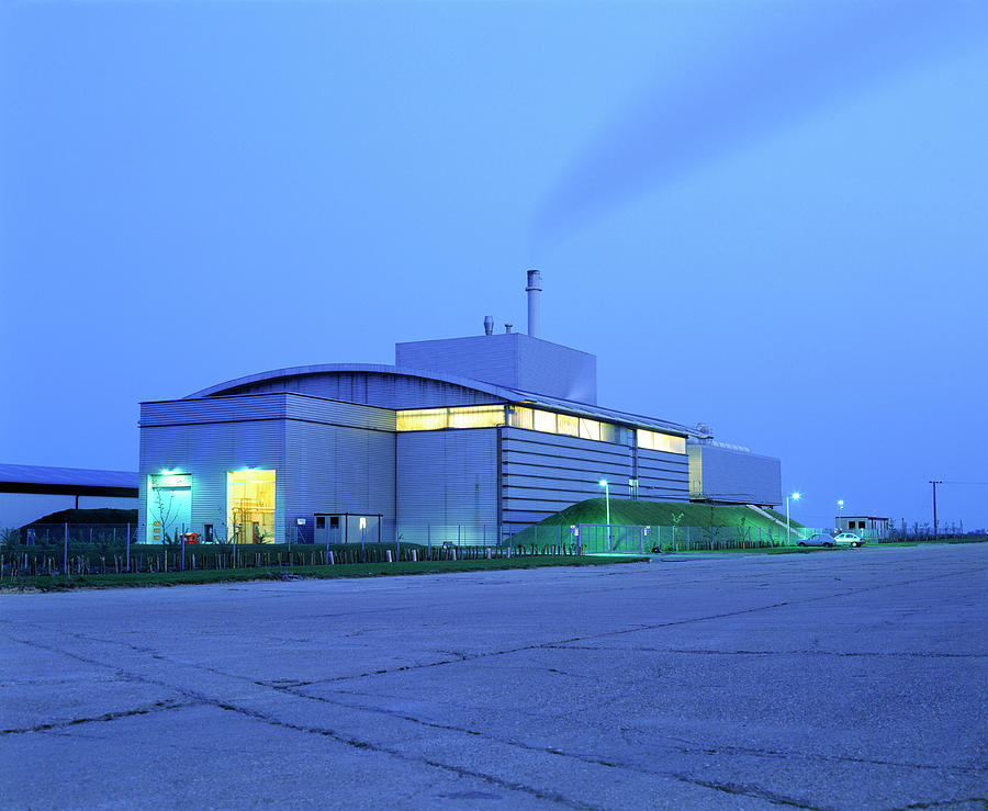 Power Station Photograph - Fibroplant Power Station by Martin Bond/science Photo Library