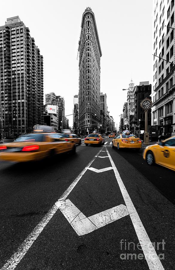 New York Skyline Photograph - Flatiron Building Nyc by John Farnan