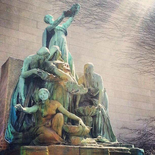 Fountain of the great lakes photograph by jill tuinier - Moderne tuinier ...