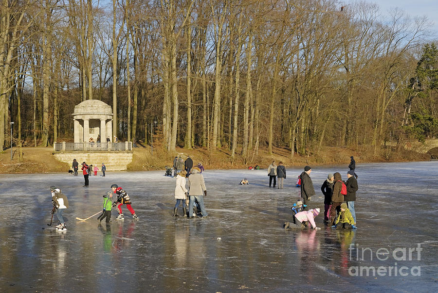 Krefeld Photograph - Frozen Lake Krefeld Germany. by David Davies