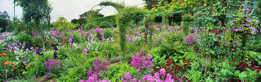 Horizontal Photograph - Garden Of Claude Monets House, Giverny by Panoramic Images