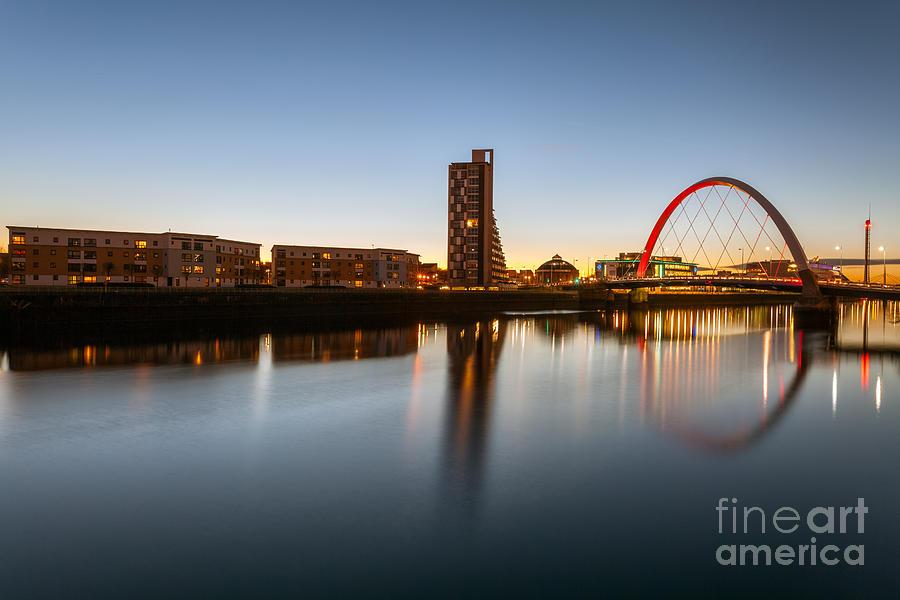 Glasgow Scene Photograph - Glasgow Clyde Arc  by John Farnan
