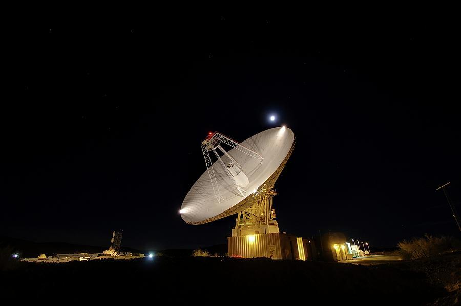 Nobody Photograph - Goldstone Observatory At Night by Nasa/jpl-caltech