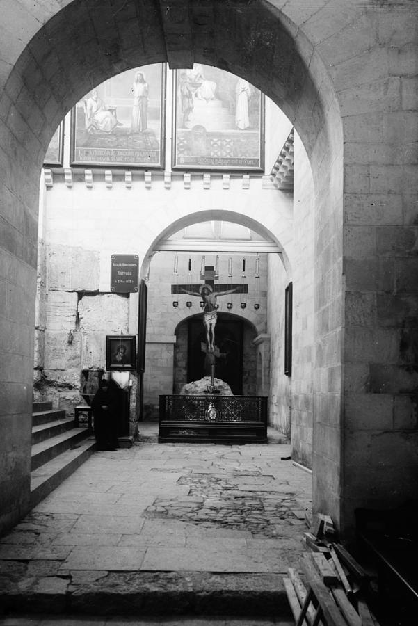 11th Century Photograph - Holy Sepulcher by Granger