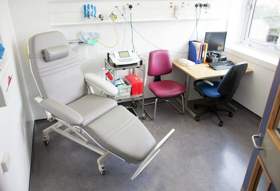 Consultation Room Photograph - Hospital Consultation Room by Science Photo Library