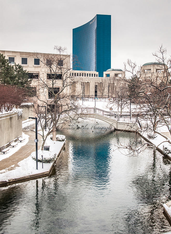 Indianapolis Photograph - Indianapolis Canal by Beverly Cazzell