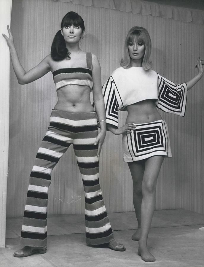 Retro Photograph - Italian Knitwear Fashion Show In Londoan by Retro Images Archive