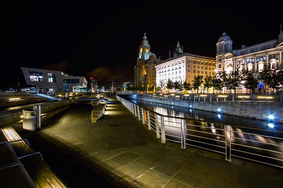 Liverpool At Night Photograph - Liverpool Waterfront by Wayne Molyneux