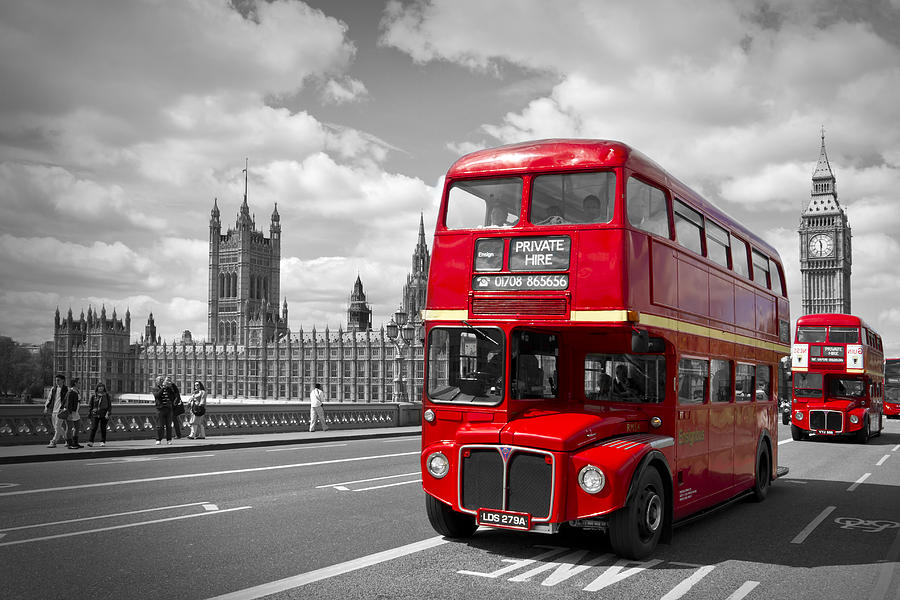 British Photograph - London - Houses Of Parliament And Red Buses by Melanie Viola