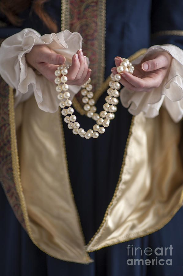 Woman Photograph - Medieval Or Tudor Woman Holding A Pearl Necklace by Lee Avison