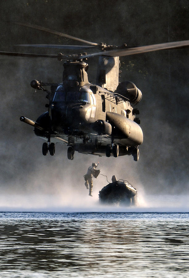 Mh-47 Chinook Helicopter Photograph