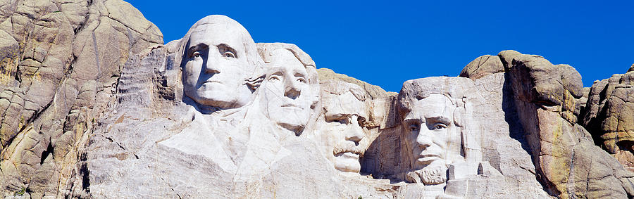 Color Image Photograph - Mount Rushmore, South Dakota, Usa by Panoramic Images