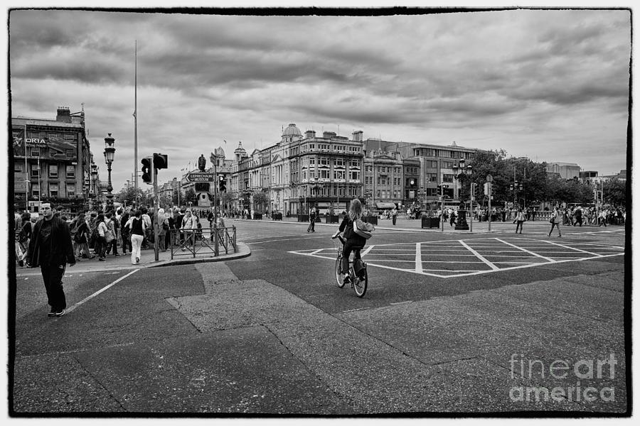Street Photograph - Oconnel Street by Gabriela Insuratelu