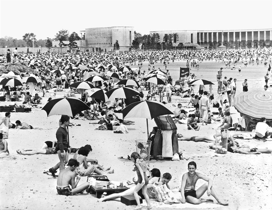 1938 Photograph - Orchard Beach In The Bronx by Underwood Archives