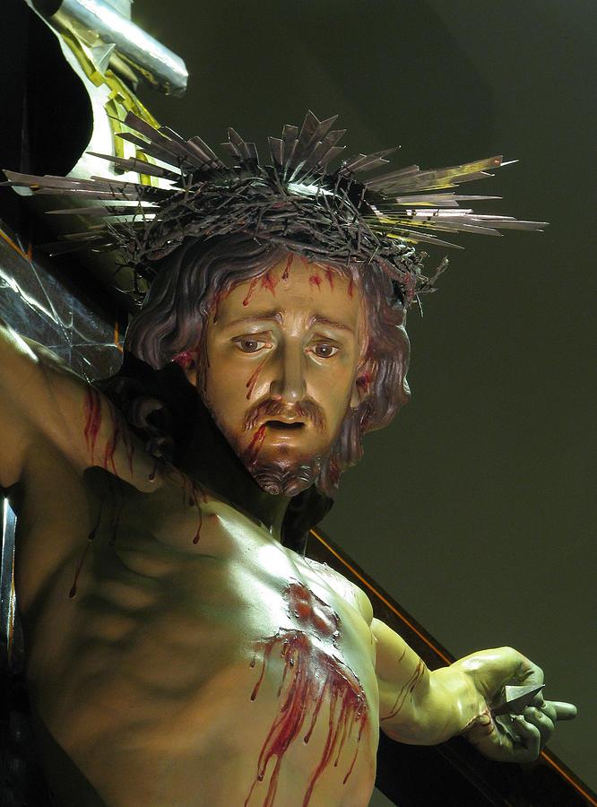 Crucifix Photograph - Our Saviour by Richard Faenza