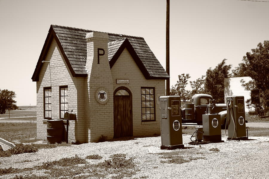 66 Photograph - Route 66 - Phillips 66 Gas Station by Frank Romeo