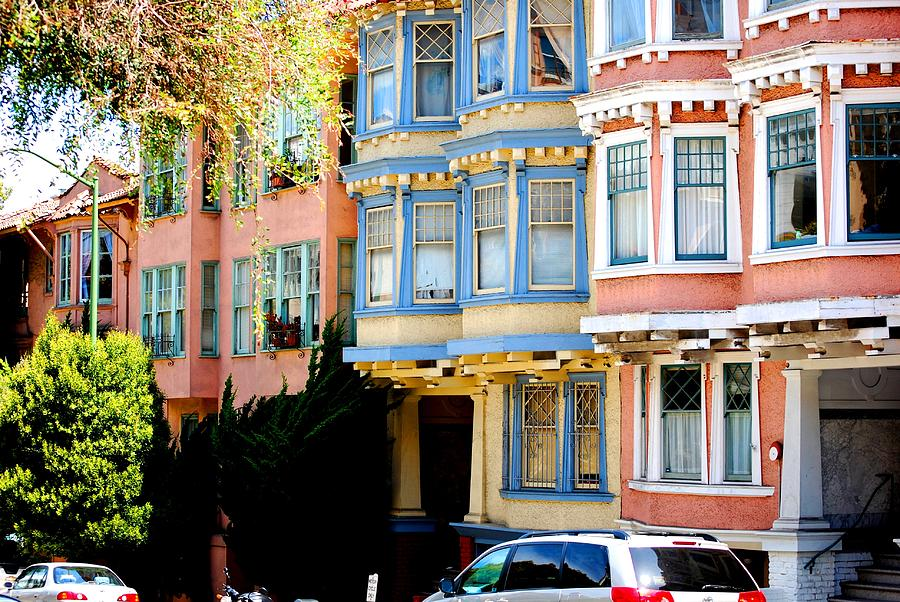 Bay Windows Photograph - Sf Rowhouses by Mamie Gunning