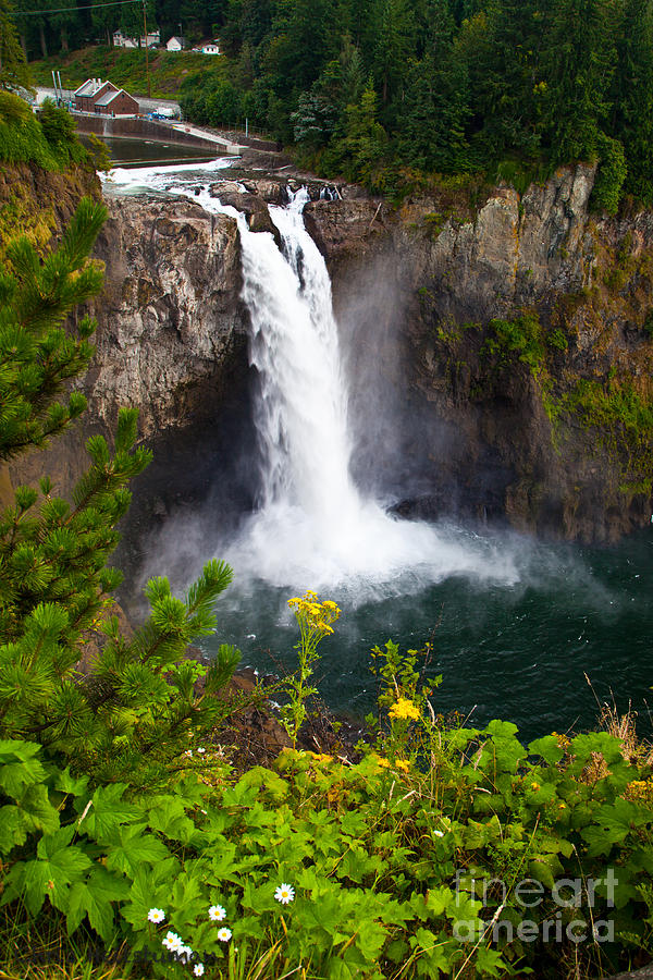 Waterfall Photograph - Snoqualmie Falls by Chris Heitstuman