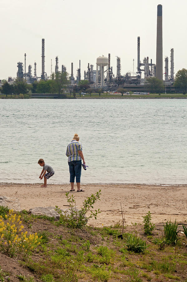 St Clair River Oil Pipelines by Jim West/science Photo Library