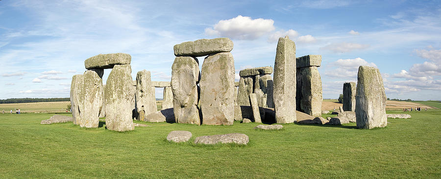 Stonehenge Photograph - Stonehenge by Daniel Sambraus/science Photo Library