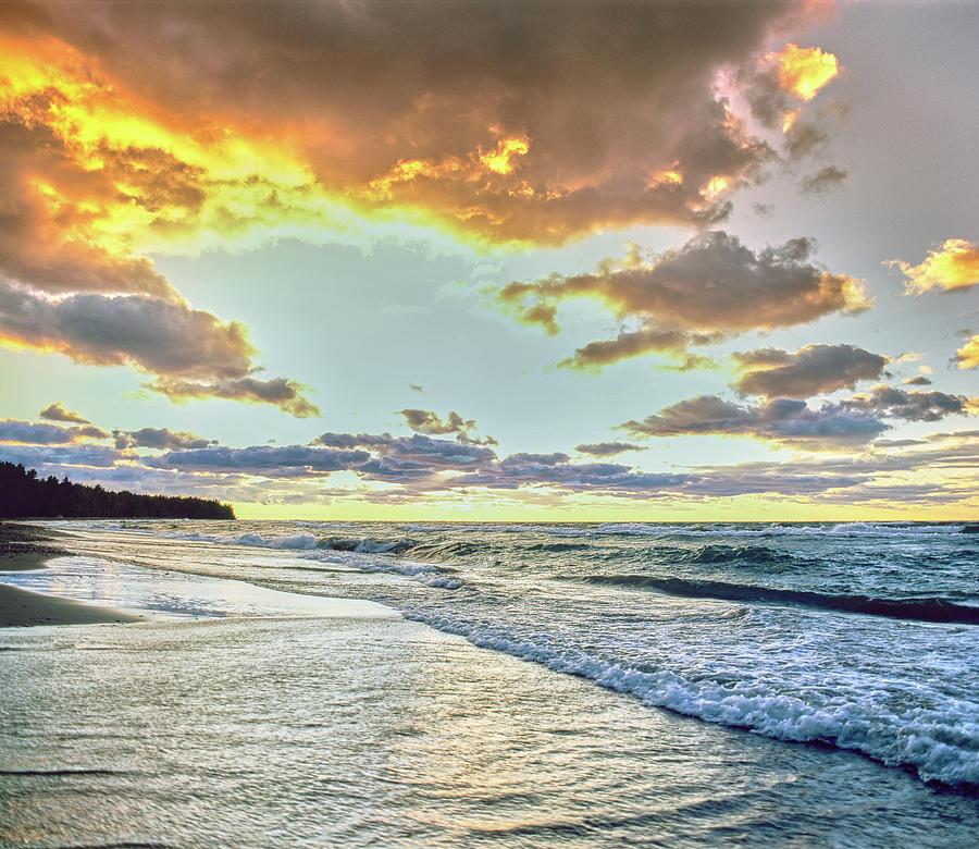 Horizontal Photograph - Sunset Over Lake Superior, Keweenaw by Panoramic Images