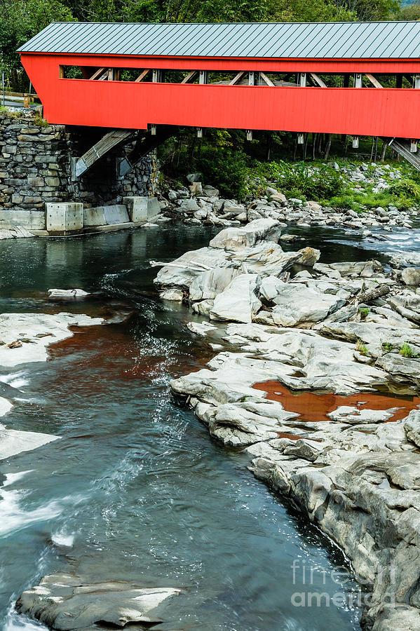 Usa Photograph - Taftsville Covered Bridge Vermont by Edward Fielding