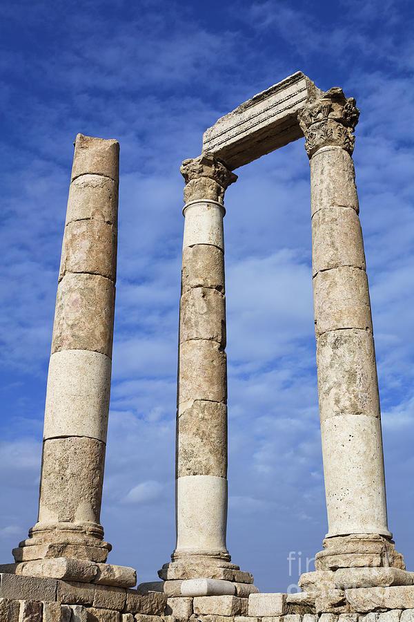 Column Photograph - The Temple Of Hercules In The Citadel Amman Jordan by Robert Preston