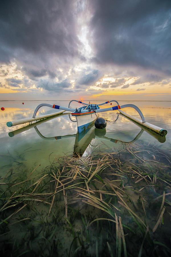 Typical Wing Boat Of Sanur Beach Bali Photograph by Santi Sukarnjanaprai