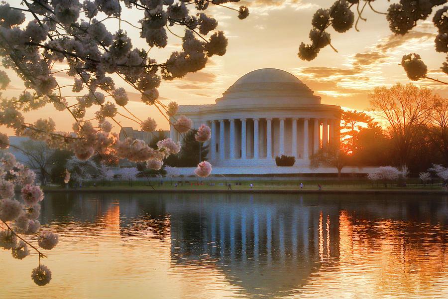 Bloom Photograph - Usa, Washington Dc, Jefferson Memorial by Hollice Looney