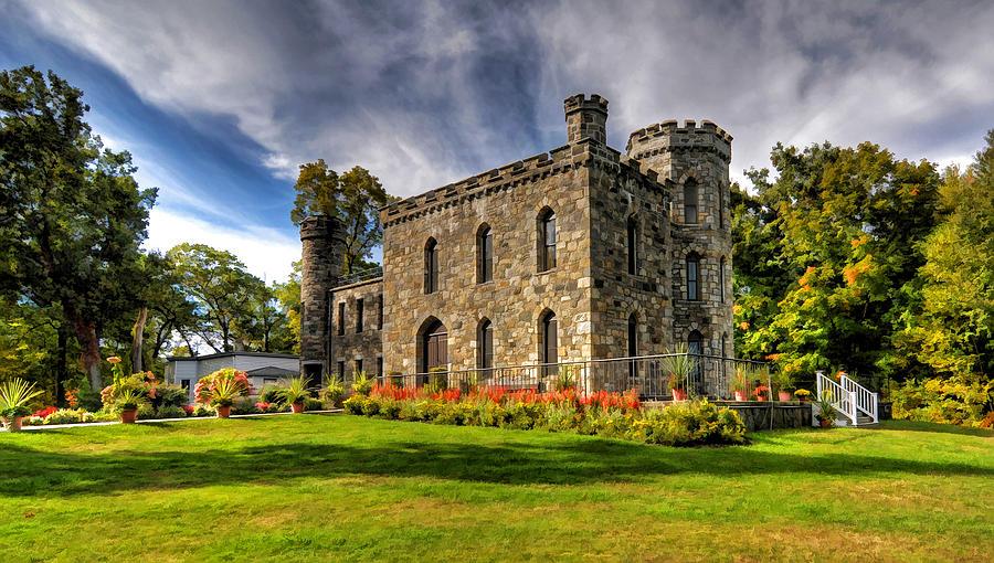 Winnekenni Castle Photograph - Winnekenni Castle V2 by Liz Mackney
