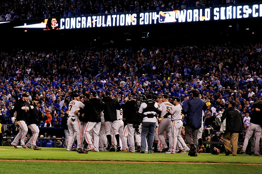 World Series - San Francisco Giants V 1 Photograph by Ezra Shaw