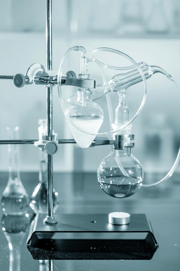 Analysis Photograph - Chemistry Experiment In Lab by Wladimir Bulgar