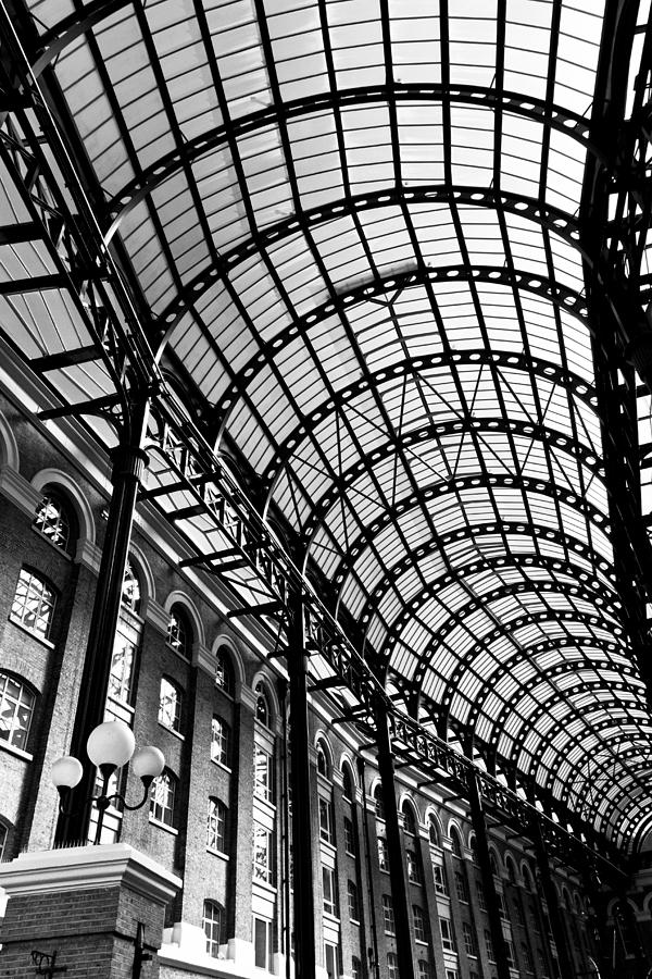 Hays Galleria Photograph - Hays Galleria London by David Pyatt