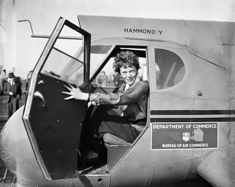 1930s Photograph - Amelia Earhart (1897-1937) by Granger