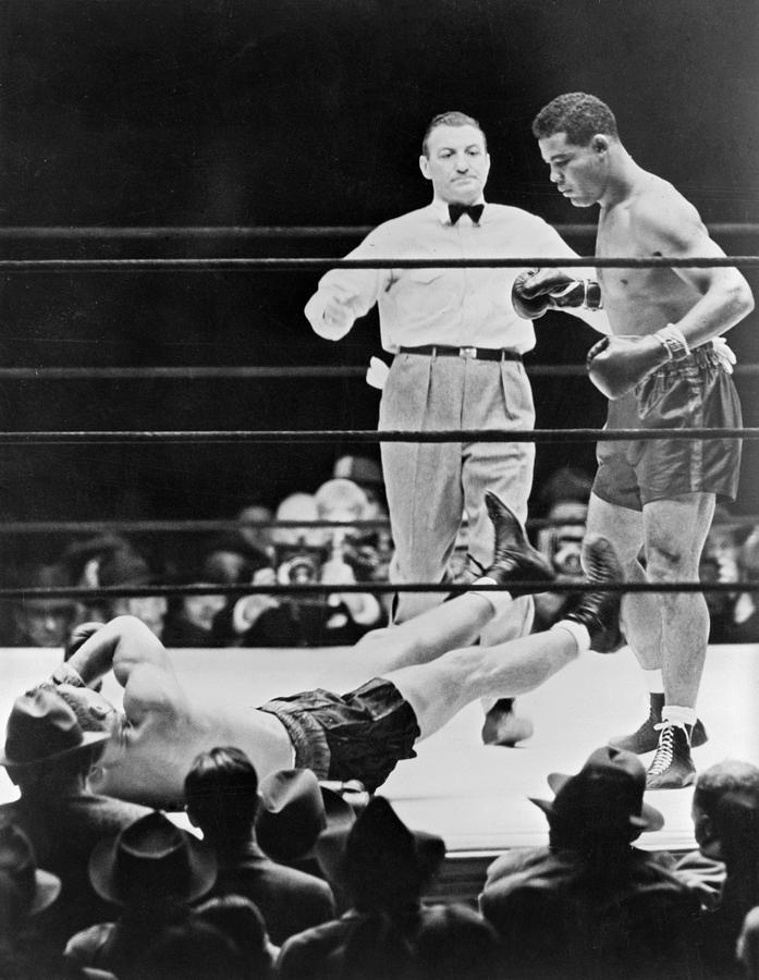 1960s Photograph - Muhammad Ali (1942-2016) by Granger