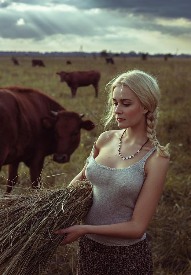 Portrait Photograph - Untitled by David Dubnitskiy