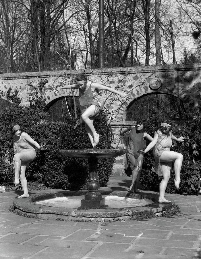 Vertical Photograph - 1910s Amateur Theatrics Of Greek by Vintage Images