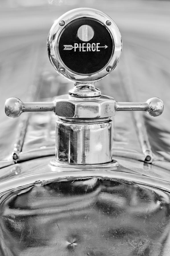 Black And White Photograph - 1920 Pierce-arrow Model 48 Coupe Hood Ornament - Motometer by Jill Reger